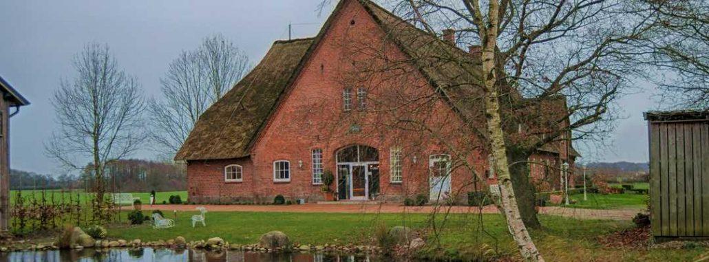 Hof Wunderberg - Reetgedeckter Resthof